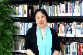 清华大学外文系老师杨芳:全情投入 用真心筑起慕课发展的基石