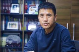 全媒体专访   龙之门教育董事长兼CEO黄向伟:找回狼性,重归江湖