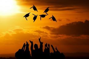 教育部办公厅关于公布实施专科教育高等学校和成人高等学校备案名单的函